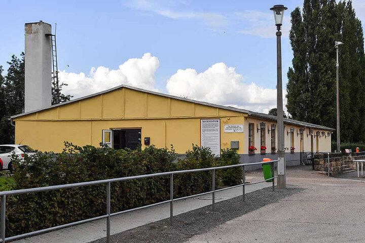 Auf dem Sportplatz in der Wurzener Straße trainiert Fortuna auch am  Freitagabend.