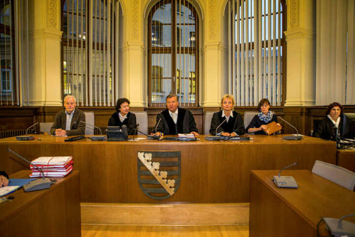 Die 3. Strafkammer unter Vorsitz von Norbert Göbel verurteilte den Kinderschänder zu neun Jahren Haft und ordnete dann Sicherungsverwahrung an.