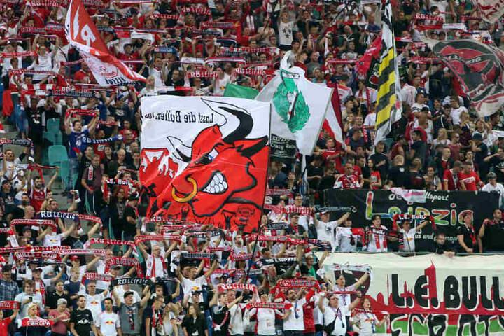 Pfiffen ihr Team mehrfach lautstark aus: Die Fans von RB Leipzig.