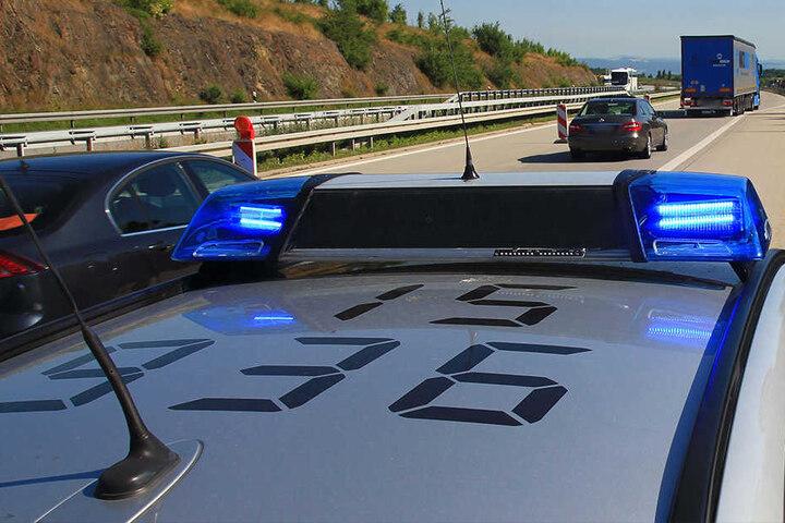 Die Waffen wurden bei einer Kontrolle auf der Autobahn gefunden.