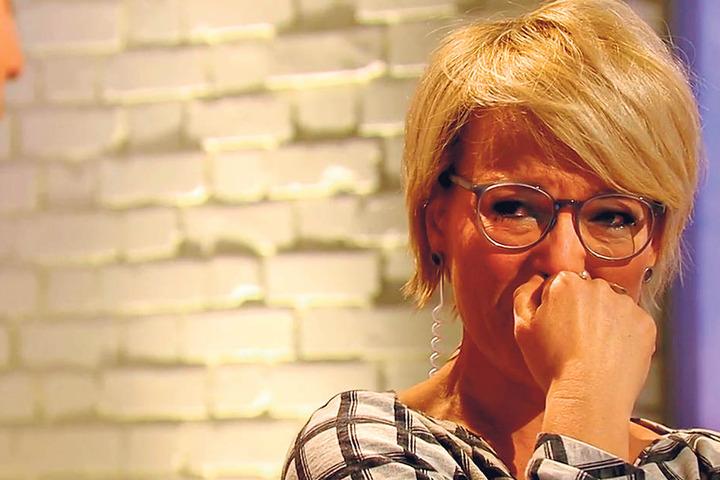 Der Abschied fällt Andrea Ballschuh sichtlich schwer.