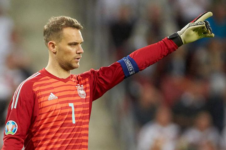 Manuel Neuers Berater hat den derzeitigen Stand beim FC Bayern kritisiert.