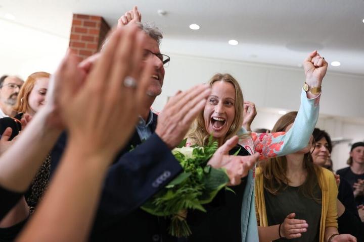 Anna Kebschull von den Grünen (m.) entschied die Stichwahl letzten Endes für sich.