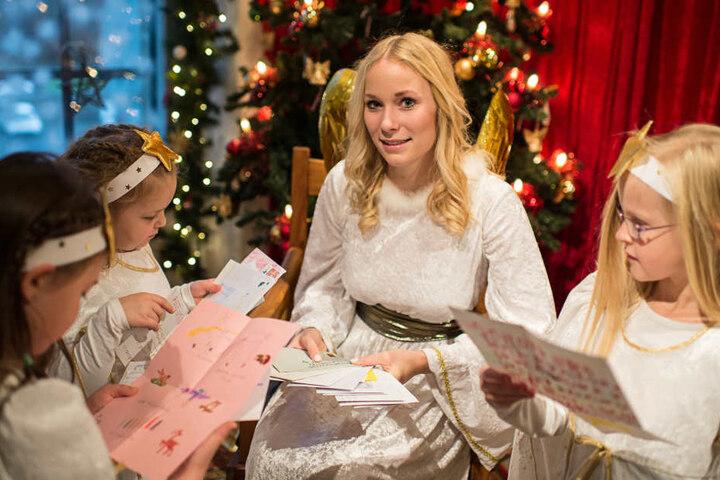 Die Briefe stapeln sich schon seit Wochen - nun wird das Christkind heute offiziell seine Arbeit aufnehmen.