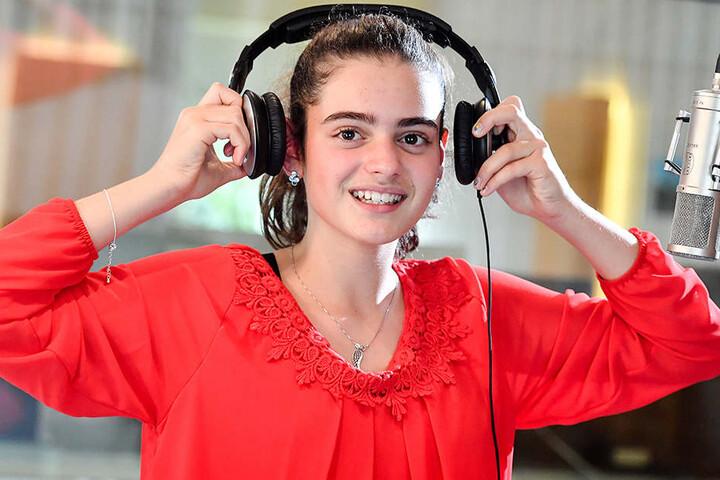"""Sissi (13) hat gerade das Lied """"Nur mit Dir"""" aufgenommen."""