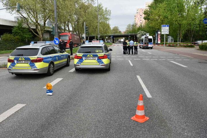 Die Polizei sicherte den Unfallort ab.