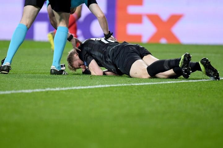 Beim Spiel in Lissabon musste Hinteregger einiges einstecken.