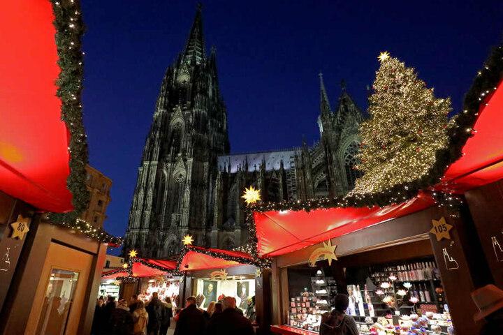 Der Weihnachtsmarkt am Kölner Dom.