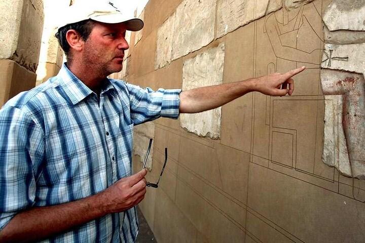 Immer wieder Ägypten: Dietrich Raue (49) forschte auch schon auf der  Nil-Insel Elephantine.