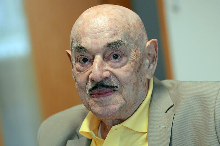 """Filmproduzent Artur """"Atze"""" Brauner. Brauner feierte am 1. August 2018 seinen 100. Geburtstag."""