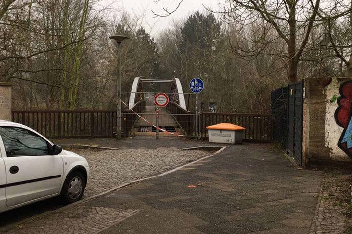 "Die Brücke schließt an die Straße ""Am Hirtenhaus"" an."