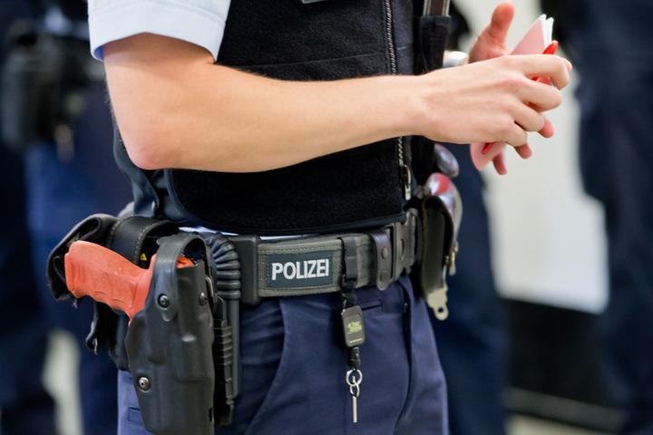 Die Polizei lieferte den betrunkenen Jugendlichen bei seinen Eltern ab. (Symbolbild)