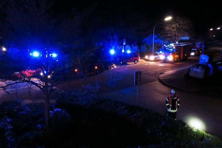 Die Freiwillige Feuerwehr Werne rückte mit einem Großaufgebot an.