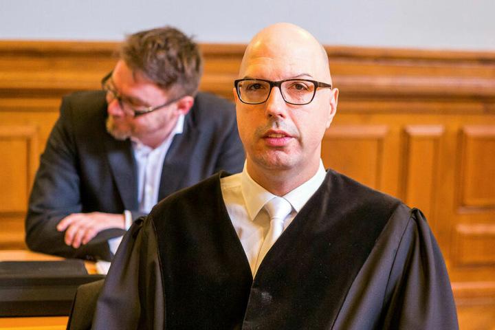 Oberstaatsanwalt Guido Lunkeit hält Frank M. und Ferenc B. des gemeinschaftlichen Mordes für schuldig, beantragte lebenslängliche Haft.