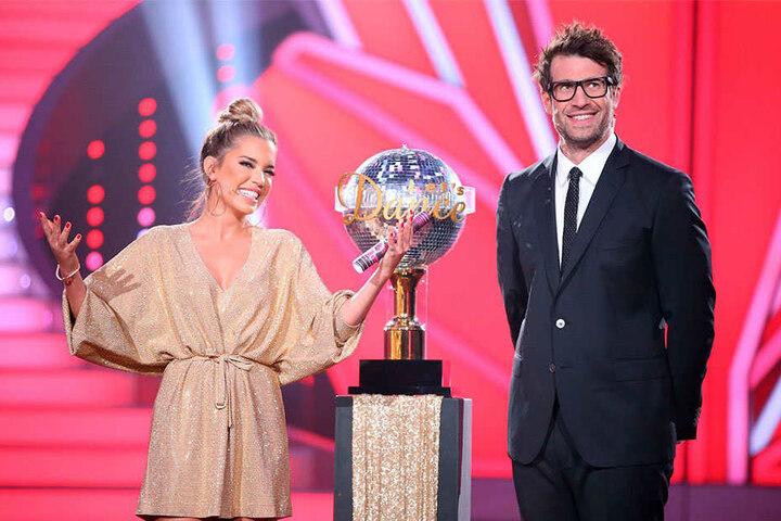 Auch in diesem Jahr werden Sylvie Meis (38) und Daniel Hartwich (38) durch die Sendung führen.