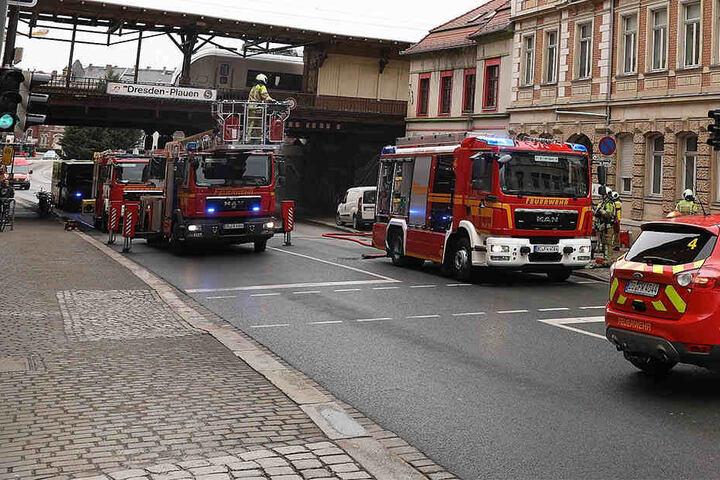 Weber Elektrogrill Fängt Feuer : Feuerwehr lässt straße sperren was ist in altplauen los