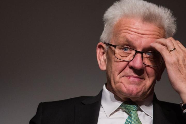 Gebührenfreie Kitas und Kindergärten: Nach Familienministerin Franziska Giffey (SPD) gibt es für die Regierung rund um den grünen baden-württembergischen Ministerpräsident Kretschmann (Bild) keine Ausreden mehr.