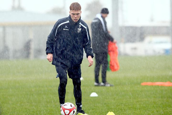 Valentino Schubert beim Training im Dauerregen.