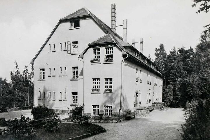 Als die Jugendherberge noch in Betrieb war, verbrachten Schulgruppen hier regelmäßig lustige Tage - sommers wie winters.