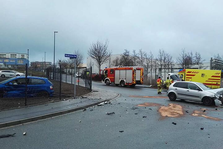 Der Crash hinterließ in dem Gewerbegebiet ein ordentliches Trümmerfeld.