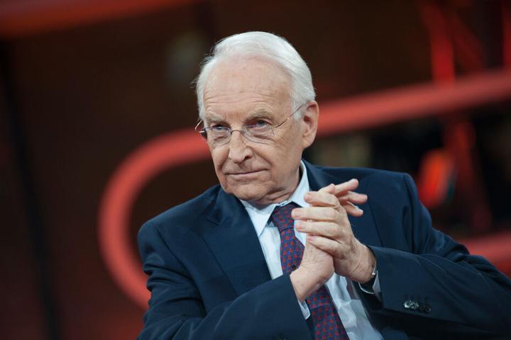Edmund Stoiber (CSU, 77), ehemaliger Ministerpräsident des Freistaats Bayern und Mitglied des Aufsichtsrates der FC Bayern München AG weiß genau, warum sich Hoeneß zurückzieht.