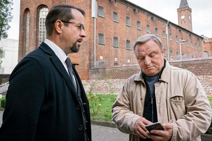 Millionen sahen Kommissar Frank Thiel (Axel Prahl, r.) und Prof. Karl-Friedrich Boerne (Jan Josef Liefers) beim Tatort zu.