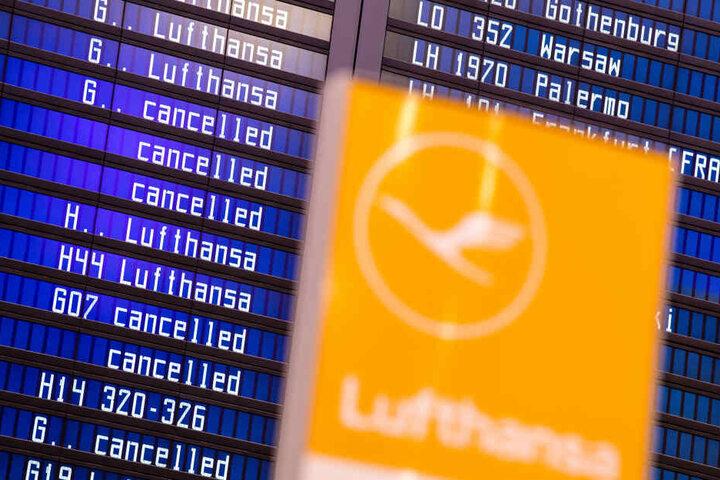 Rund 1300 Flüge wurden an beiden Tagen insgesamt abgesagt.