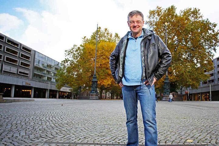 Anspruchsvolle Moderne statt Barock, fordert FDP-ChefHolger Zastrow (47) für den Neustädter Markt.