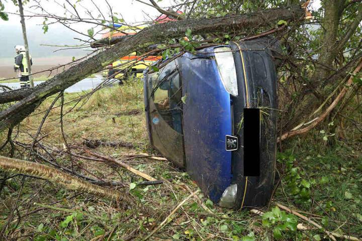 Die junge Fahrerin hatte richtig Glück: Sie wurde bei dem Unfall nur leicht verletzt.