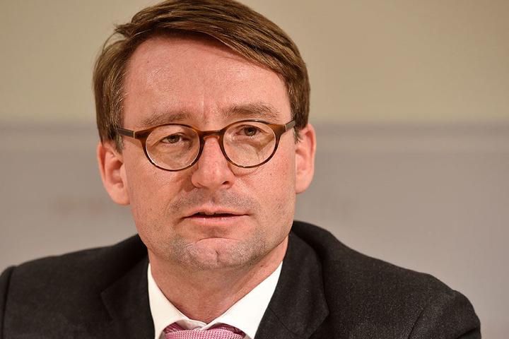 Das Zahlenmaterial stammt von Innenminister Roland Wöller (47, CDU).