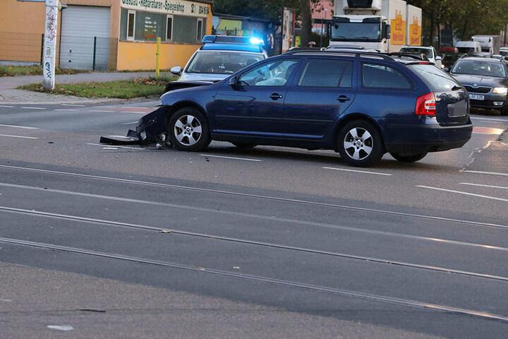 Beim Skoda brach die Achse des Autos.