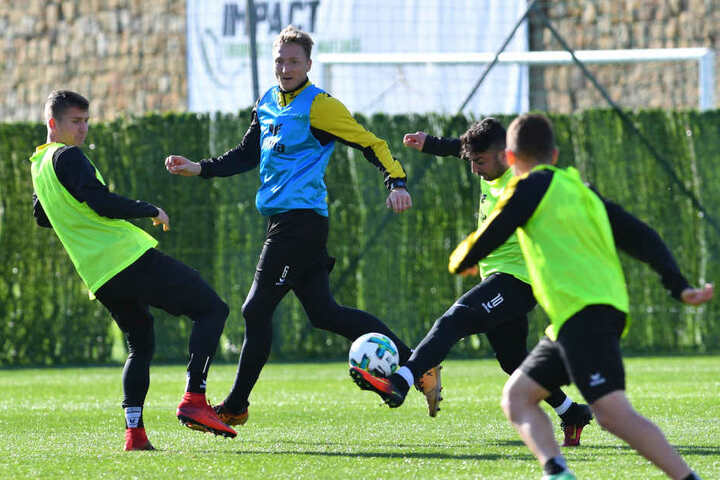 Besonders im Mittelfeld ist das Gedränge groß: Paul Seguin, Marco Hartmann und Aias Aosman (v.l.) sind nur drei Anwärter von zwölf nominellen Mittelfeldleuten.