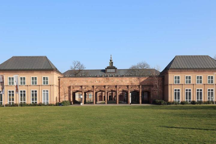 Übergang vom Expressionismus in die Bauhauszeit: das Grassi in Leipzig.