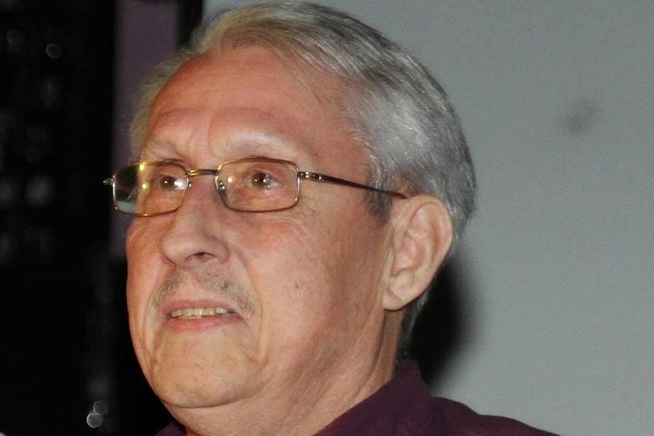 Physiotherapeuth Bernd May (74) rettete dem Mittelfeld-Spieler das Leben.