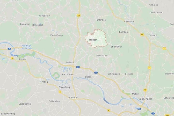 In der Gemeinde Haibach, im Landkreis Straubing-Bogen, kam es zu einem tödlichen Unfall bei der Obsternte.