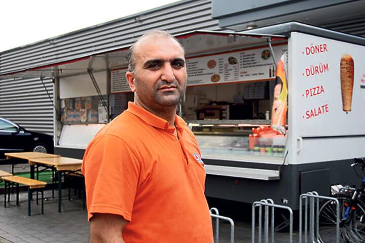 Döner-Verkäufer Zülfi G. (40) will nie wieder ein Messer verleihen.