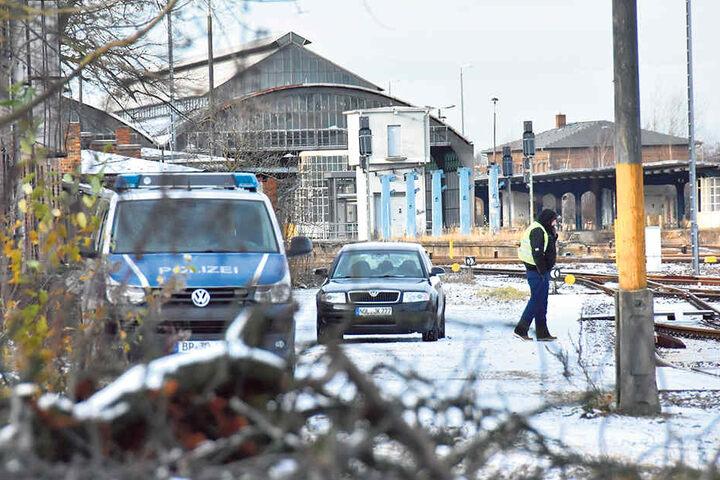Die Bundespolizei ermittelt jetzt in diesem rätselhaften Fall, die Abstellgleise werden rund um die Uhr bewacht.