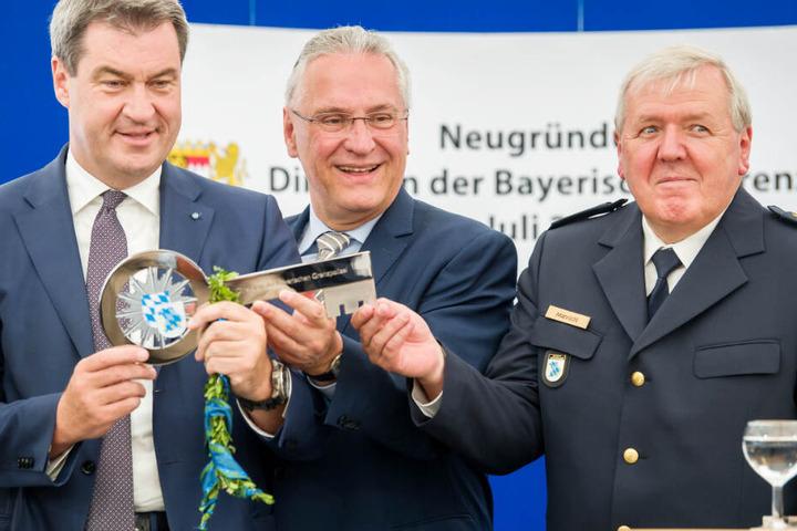Markus Söder (l.) und Joachim Herrmann (M.) haben eine durchweg positive Bilanz gezogen.