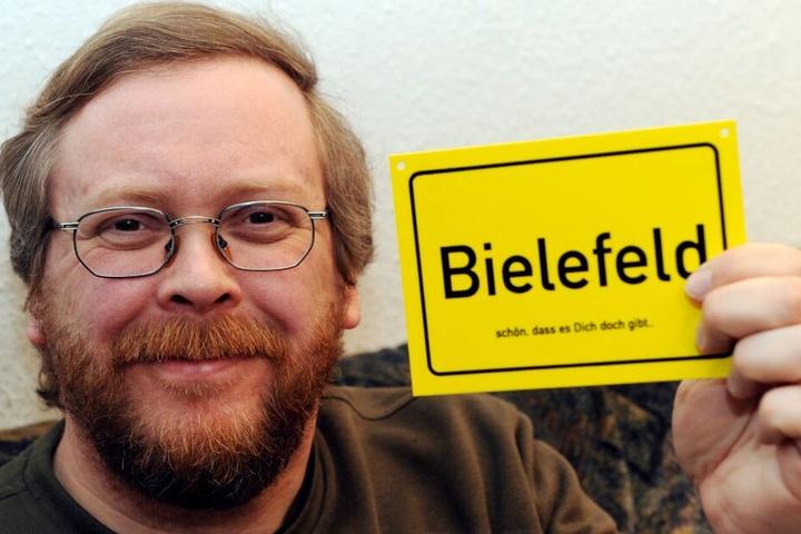 Achim Held erfand 1994 die Theorie, dass es Bielefeld nicht geben würde.
