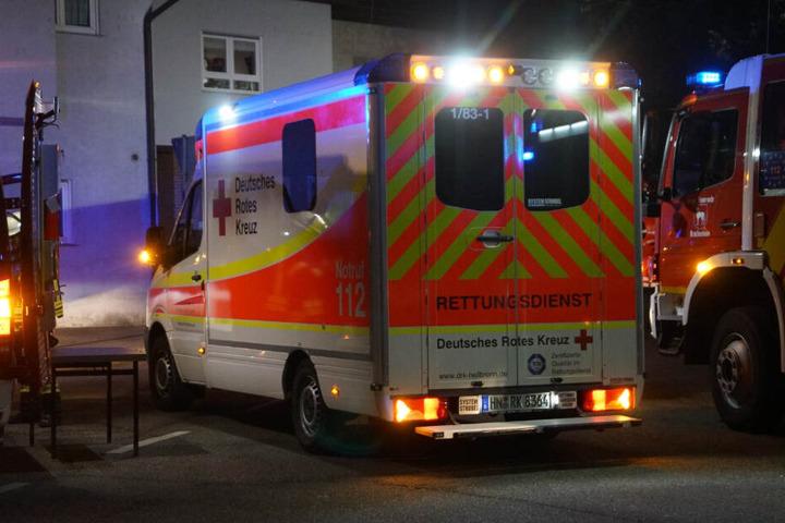 Eine Teenagerin wurde in eine Spezialklinik gebracht.