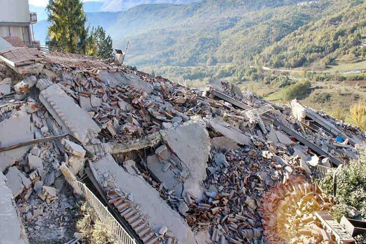 Das Schlimmste für die Betroffenen: Weitere Erdbeben sind sehr wahrscheinlich.