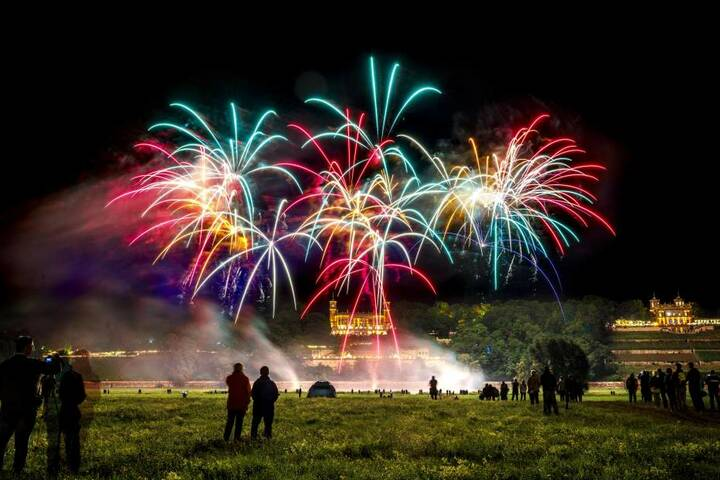 War wie immer der Höhepunkt einer traumhaften Schlössernacht: das große,  musikalisch unterlegte Feuerwerk.