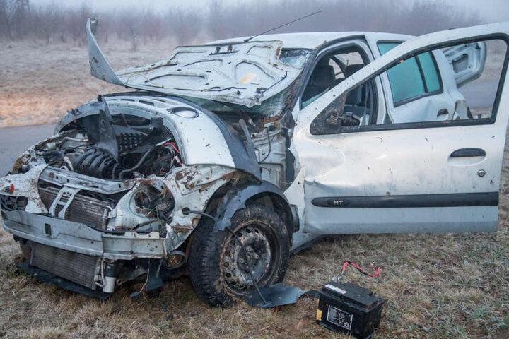 Die Frau wurde schwer verletzt in ein Krankenhaus gebracht.
