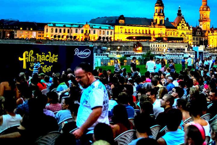 Zu den Filmen und Konzerten am Elbufer werden wieder Zehntausende Gäste  erwartet.