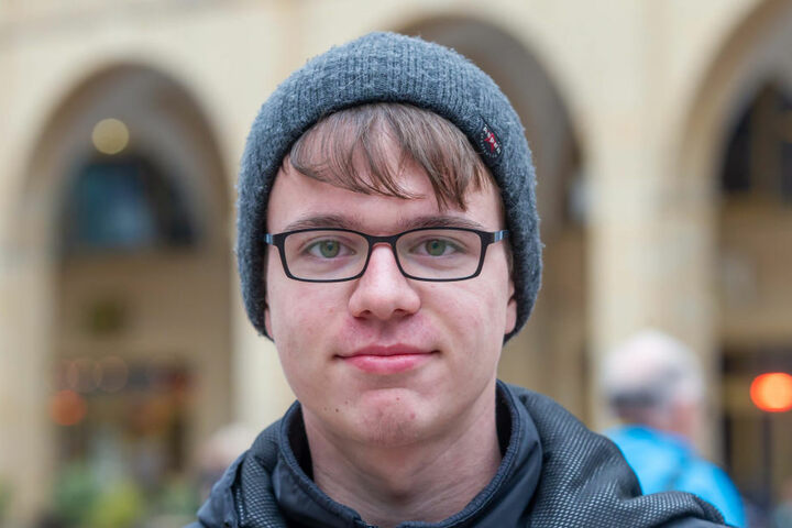 Student Tobias Pusch (19) hat sich über den hohen Besuch aus Berlin gefreut. Er hofft auf einen positiven Einfluss für Chemnitz.
