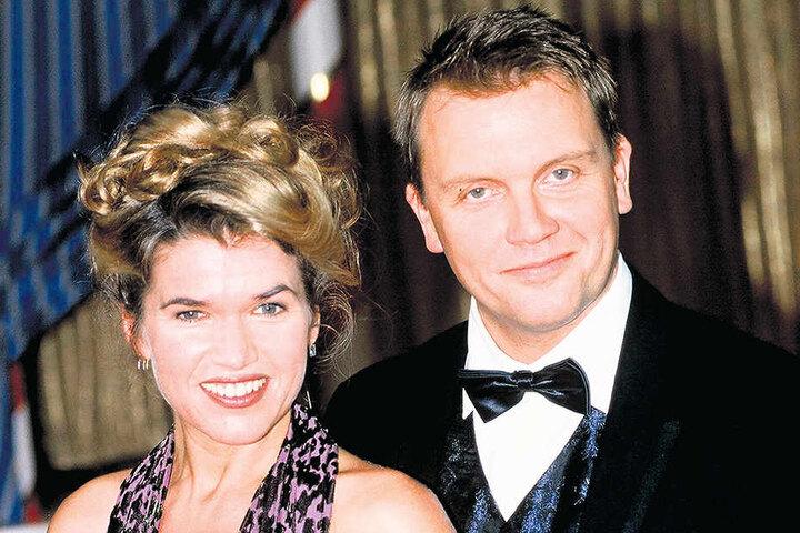 """Extra aufgebrezelt hatten sich Anke Engelke (52) und Hape Kerkeling (53). Sie moderierten 2003 in der """"Lindenstraße"""" einen Tanzwettbewerb."""