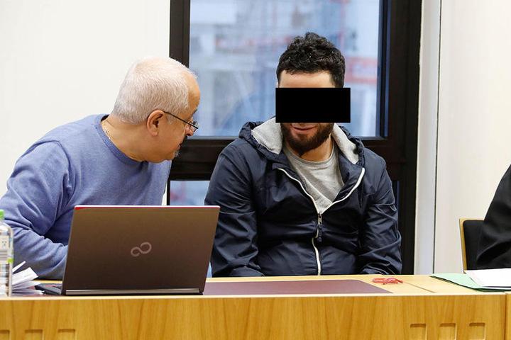 Nizar B. (32) soll sein Zimmer im Asylheim in der Annaberger Straße  angezündet haben.