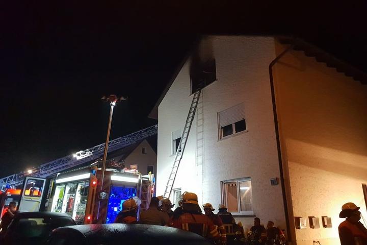 Für den Bewohner der brennenden Wohnung kam jede Hilfe zu spät.