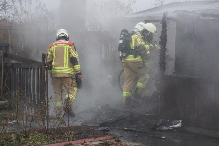 Wie das Feuer ausbrechen konnte, ist noch unklar.