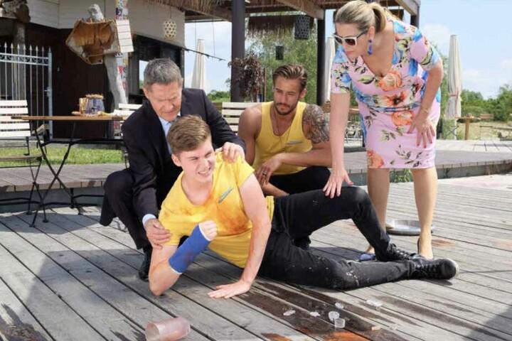 Sasha Sasse spielt einen Imbissbudenbesitzer am Nordstrand des Cospudener Sees.